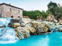 Mê hoặc hồ bơi nước nóng màu ngọc lam