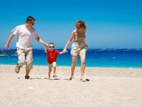 Mẹo đi biển an toàn cho trẻ nhỏ