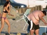 """Những tình huống """"siêu khó đỡ"""" trên bãi biển"""