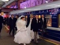 """Trải nghiệm vị ngọt tình yêu trên """"đoàn tàu đám cưới"""""""