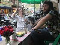 Những món ăn giá rẻ hấp dẫn khách tây ở Hà Nội