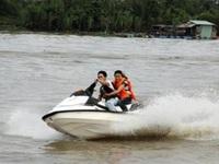 """Tour hay: """"Chu du"""" trên sông Sài Gòn dịp 8/3"""