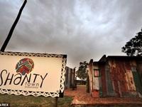 Độc đáo khu nghỉ dưỡng cho du khách trải nghiệm cuộc sống... nghèo khổ