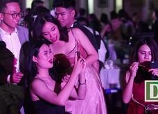 """Nữ sinh Chu Văn An xinh đẹp lộng lẫy trong lễ trưởng thành """"Khi tôi 18"""""""