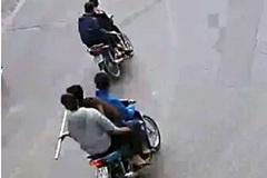 Hà Nội: Bắt nhóm thanh niên mang dao kiếm diễu phố