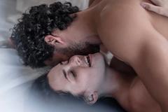 """Tâm sự cô gái hoang mang trong mối quan hệ """"lúc lạnh lúc nóng"""" với sếp"""