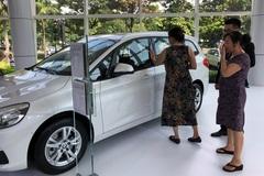 Giá xe giảm sâu tới 300 triệu đồng, kích cầu thị trường Tết