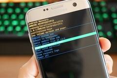 Tại sao smartphone càng cũ càng chạy chậm?