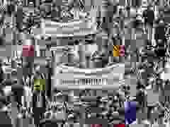 Hàng nghìn người Đức biểu tình phản đối biện pháp chống dịch Covid-19