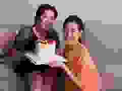 Hoa hậu Khánh Vân tự tay làm bánh sinh nhật mẹ