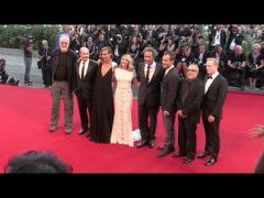 Jude Law, James Cromwel dự LHP Venice