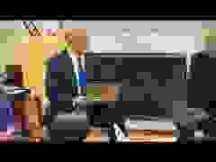 """Ông Trump tặng Thủ tướng Israel """"chìa khóa Nhà Trắng"""""""