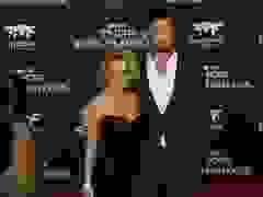 Chris Hemsworth đẹp đôi bên vợ