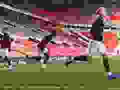 Van de Beek lần đầu đi cùng Man Utd tới Old Trafford