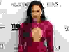 Demi Lovato diện váy hở bạo