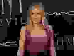 Michelle Pfeiffer trẻ đẹp trên thảm đỏ