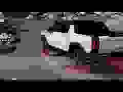 Hummer EV - Sự trở lại ấn tượng của huyền thoại off-road Mỹ