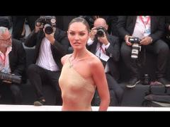 Candice Swanepoel dự LHP Venice