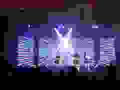 Sinh viên trường Báo hóa dàn sao Kpop trình diễn cực sung