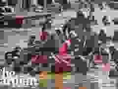 """Bão Vamco càn quét Phillippines, Manila tê liệt trong """"biển"""" nước lũ"""