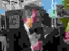 Hugh Grant dự lễ trao giải Quả Cầu Vàng