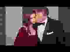 Emily Ratajkowski đẹp đôi bên chồng