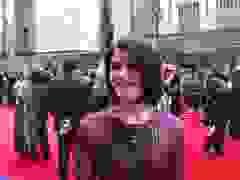 Gemma Arterton diện váy điệu đà