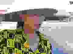 Người dân kêu cứu vì nước hồ tôm gây ô nhiễm môi trường.
