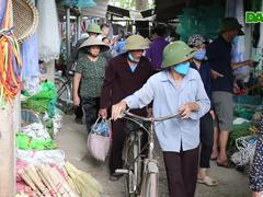 """Một ngày tại phiên chợ cổ """"độc nhất vô nhị"""" giữa Hà Nội"""
