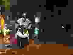 Mưa rào kéo dài, phố Hà Nội ngập sâu trong nước