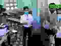 Thí sinh tại Bình Định trước buổi thi Ngữ văn