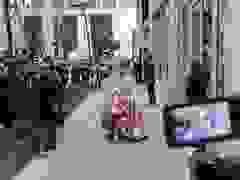 Celine Dion xuống phố ở New York