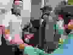 Ngày đầu người dân Đà Nẵng mang thẻ đi chợ