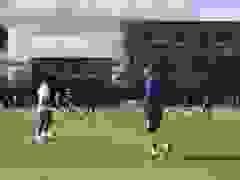 Các cầu thủ Arsenal khởi động trước trận gặp Fulham
