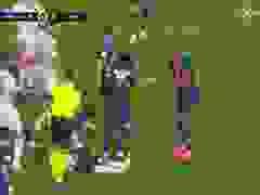 Diallo nhận thẻ đỏ, PSG giành chiến thắng may mắn phút bù giờ