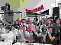 Vỡ òa niềm vui khi em Nguyễn Thị Thu Hằng vô địch Đường lên đỉnh Olympia