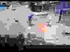 Chàng trai với tình huống xử lý tuyệt vời cứu em bé gặp nạn