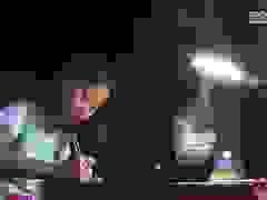 Bé gái 9 tuổi mồ côi cha mẹ
