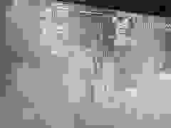 Camera an ninh ghi lại bảo vệ bến xe bị đánh