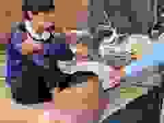 """Bị muỗi đốt không điều trị, người đàn ông mang """"bàn chân lợn"""" suốt 21 năm"""