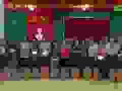 Video: Phó Chủ tịch nước tặng quà gia đình chính sách và người dân vùng lũ