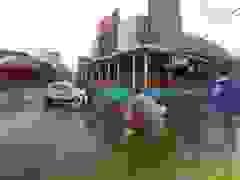 Đi ngược chiều, xe máy gây tai nạn cho xe ô tô