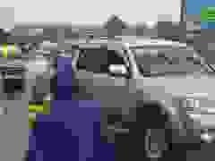 Mưa lụt gây ách tắc nhiều km trên QL1A qua Hà Tĩnh