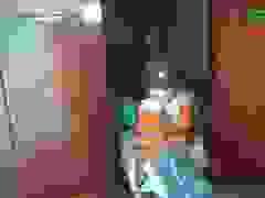 Bộ đội đến từng nhà tìm cứu người dân
