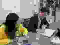 Thầy giáo ở Hà Nội ủng hộ đồng bào miền Trung lũ lụt 100 triệu đồng