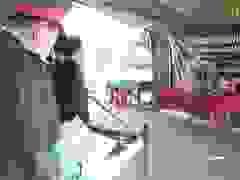 Vợ liệt sĩ vụ sạt lở ở Quảng Trị chịu tang chồng trong khu cách ly