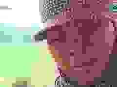 Video: Chị Tuyết buồn bã khi chứng kiến căn nhà bị lũ cuốn trôi