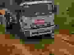 Những đoàn xe từ thiện chở hàng cứu trợ đồng bào lũ lụt miền Trung