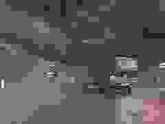 """Phóng nhanh phanh gấp trên đường trơn, xe tải """"drift"""" xoay ngang đường"""
