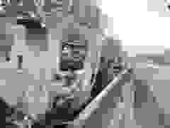 Hai xe đối đầu nhau rồi cháy rụi trên quốc lộ